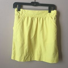 Banana Republic yellow linen skirt size 0 I love this skirt! So perfect for spring and summer!  I do think the yellow may be a little brighter than appears in the picture. Excellent condition! Features side pockets and elastic waist. Skirts Pencil