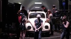 Schatten (Eurydike sagt) // Proben-Trailer der Schaubühne Berlin  vonElfriedeJelinek Regie:KatieMitchell Trailer: Silke Briel http://ift.tt/2d3s3LM Eurydike kehrt aus dem Reich des Todes zurück ins Leben. Orpheus der gefeierte Sänger führt sie zurück durch Tunnel über düstere Korridore dunkle Aufzugschächte hinauf und fährt sie durch endlose leere unterirdische Straßen. Während ihrer Reise erinnert sie sich wie sie zu Lebzeiten als Autorin stets im Schatten ihres Geliebten Orpheus stand in…