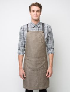 Our authentic Cargo Crew Henry Bib Apron in Mocha tan fabric is made from tough Fight the Fade™ poly cotton - strong fabric with superior colour fastness for your busy wait and venue staff. The perfect server and barista apron. Staff Uniforms, Work Uniforms, Bib Apron, Aprons, Apron Diy, Shop Apron, Uniform Shop, Restaurant Uniforms, Apron Designs