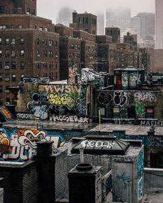samhorine on - Metarnews Sites Grunge Photography, Street Photography, Art Photography, Murals Street Art, Street Art Graffiti, City Aesthetic, Aesthetic Grunge, Desenho New School, Arte Do Hip Hop