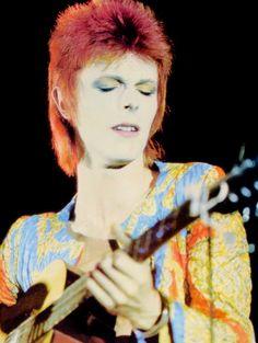 """David Bowie on stage as Ziggy Stardust, ca. Glam Rock, David Bowie Starman, Moonage Daydream, The Thin White Duke, Pretty Star, Ziggy Stardust, Many Faces, Greatest Songs, Jimi Hendrix"