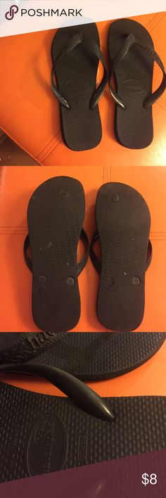 Black Havaianas Top 37-38 US6 EUR39 made in brazil Black Havaianas Top 37-38 US 6 EUR39 made in brazil 🇧🇷 great sandals used but much more life left in them.  the right sandal says it's a different size than the left but i think it's just a misprint? Havaianas Shoes Sandals