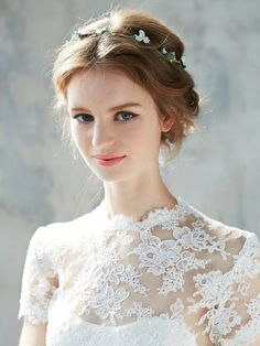 40 Wedding Hairstyles for Short to Mid-Length Hair Hairdo Wedding, Short Wedding Hair, Wedding Hairstyles, Bridal Makeup, Wedding Makeup, Hair Arrange, Mid Length Hair, Braut Make-up, Bridal Hair Accessories