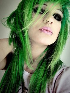 Apple Green Hair Chalk – Hair Chalking Pastels – Temporary Hair Color – Salon Grade – 1 Large Stick Source by liltutuprincess Piercing Tattoo, Piercings, Lip Piercing, Emerald Green Hair, Green Hair Girl, Green Wig, Temporary Hair Color, Hair Chalk, Alternative Hair