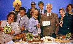 Moros y cristianos. 1987. Una familia, propietaria de una fábrica de turrones, va a Madrid para promocionar sus productos en una feria gastronómica.