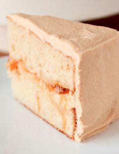 I don't know what cake this is, but it reminds me of a certain cake and it's got to be SICKENING sweet <3 unbearably, even.