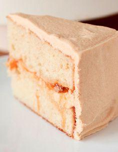 Peach Filled Cake with Dulce de Leche Buttercream Recipe Sweet Recipes, Cake Recipes, Dessert Recipes, Nutella Recipes, Peach Cake, Buttercream Recipe, Köstliche Desserts, Savoury Cake, Let Them Eat Cake