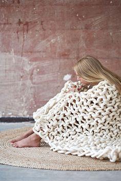 DIY: Giant Knit Mega Scarf