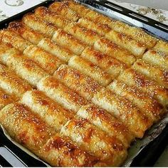 Good morning canlar 5 - 6 potatoes are boiled from the pastry of BOREK @ husniyeninmfaş with BAKLAVA Bakery Recipes, Cooking Recipes, Healthy Recipes, Turkish Recipes, Ethnic Recipes, Turkish Kitchen, Time To Eat, Middle Eastern Recipes, Iftar