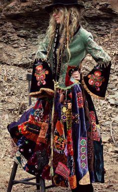 Velvet patchwork coat by Majik Horse. - Bohemian Home Gypsy Boho Gypsy, Bohemian Mode, Bohemian Style, Boho Chic, Gypsy Chic, Gypsy Cowgirl, Gypsy Soul, Vetement Hippie Chic, Moda Hippie