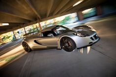 10 Most Exciting Cars in the World Best City Car, Hennessey Venom Gt, Lotus Exige, Car In The World, Twin Turbo, Shabby Chic Decor, Car Ins, Fast Cars, Vehicles