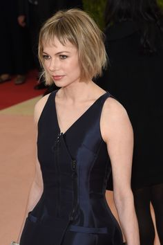 Michelle Williams's Cool Girl Bob is a Breakout Moment on the Met Gala 2016 Red Carpet