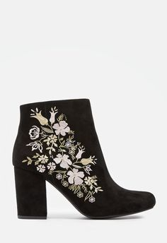 e2dabea5aef These trendy booties are sure to stand out in your shoedrobe. They feature  a faux