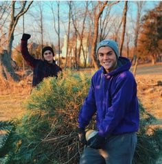 What's up with Ethan and his fist pump, paired with that look on his face?  And why is he making Gray lift that tree by himself?