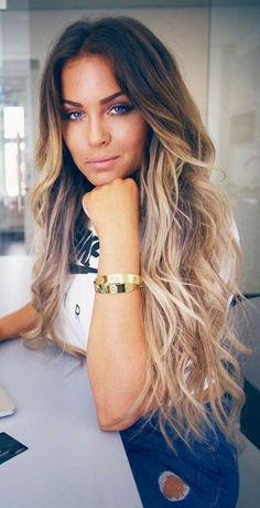 8 stunning light caramel hair color lightning the ends in 2017 2 Cabelo Ombre Hair, Balayage Hair, Bayalage, Long Ombre Hair, Dark Roots Blonde Hair Balayage, Ombre Hair Brunette, Ombre Hair Color, Blonde Ombre, Haircolor