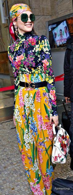 26 Ideas for dress winter pattern dolce & gabbana Floral Fashion, Colorful Fashion, Boho Fashion, High Fashion, Womens Fashion, Fashion Design, Dolce & Gabbana, Winter Dresses, Casual Dresses