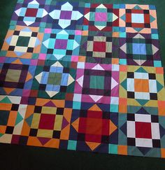 """This quilt looks so multi-faceted with all the sharp points. """"Solid Stars Bee Quilt"""" by toefeather."""