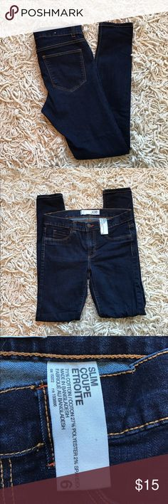 """Joe Fresh Skinny Jeans Joe Fresh Skinny Jeans. Dark wash with some stretch. Size 6 & 29"""" inseam. No flaws or signs of wear. Comfy & look cute cuffed! Joe Fresh Jeans Skinny"""