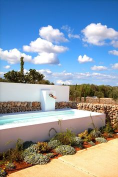 Who doesn't want to have a swimming pool in their house? Check these above ground swimming pool ideas to give you solution of your backyard's soil issue! Small Swimming Pools, Small Backyard Pools, Backyard Pool Designs, Above Ground Swimming Pools, Small Pools, Swimming Pools Backyard, Swimming Pool Designs, Above Ground Pool, Garden Pool