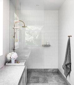 Superb New Savior Limestone Bathroom Designed By And Featured In This  Monthu0027s 📷