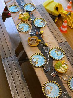 Motto Geburtstag Baustelle 2nd Birthday Parties, Boy Birthday, Children, Leo, Meet, Party, Kid, Penguin Birthday, Boy Birthday Parties