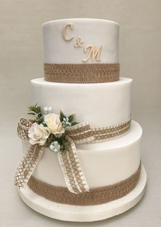 Vintage Wedding Cake  Violeta Glace