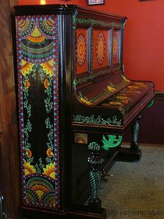 painted piano!