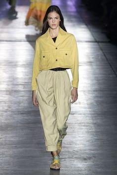 Alberta Ferretti Frühjahr 2019 Prêt-à-porter-Kollektion - Vogue Fashion Week, New Fashion, Runway Fashion, Trendy Fashion, Boho Fashion, Fashion Outfits, Fashion Trends, Feminine Fashion, Ladies Fashion