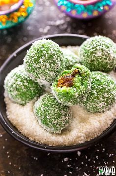 Instant Paan Coconut Ladoo, filled with gulkand is an easy Indian sweet for Diwali! You need only 15 minutes to make these! Indian Desserts, Indian Sweets, Indian Snacks, Sweet Desserts, Easy Desserts, Indian Food Recipes, Easy Indian Dessert Recipes, Easy Indian Sweet Recipes, Delicious Desserts