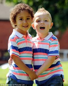 'Two in a million' black and white twins celebrate fourth birthday. and mum says they couldn't be more different in personality Biracial Twins, Beautiful Mixed Babies, Cute Kids, Cute Babies, Black Twins, Fraternal Twins, Vintage Black Glamour, Sibling Poses, Interracial Couples