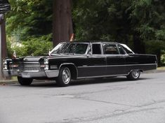 1966 Cadillac Fleetwood Series Seventy-Five Limousine Old American Cars, American Classic Cars, Retro Cars, Vintage Cars, Antique Cars, General Motors, Cadillac Fleetwood, Limousine, Us Cars