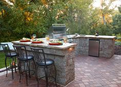 Summer Feasts: Discover 5 Dreamy BBQ Outdoor Kitchens. CLICK HERE to Get More Inspiration