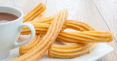 Churros Recipe with Chocolate Sauce Mexican Food Recipes, Sweet Recipes, Snack Recipes, Healthy Recipes, Snacks, Ethnic Recipes, Churros Sin Gluten, Easy Churros Recipe, Churro Recipe