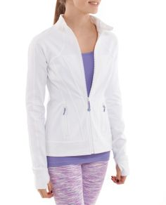 Wear this four-way stretch Luon® fabric Perfect Your Practice Jacket on the court when you warm up or on chilly days.