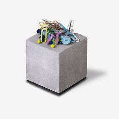 Korn Produkte Magnetischer Block aus Beton | selekkt.com