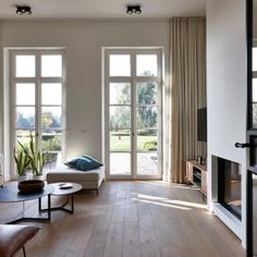 Best Home Decorating Stores Living Room Lounge, Living Room Windows, New Living Room, Interior Design Living Room, Home And Living, Curtains Childrens Room, Living Room Inspiration, Contemporary Interior, Villas