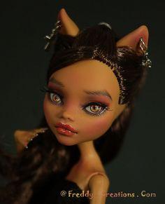 Kitty LOVES Silver............. | Flickr - Photo Sharing!