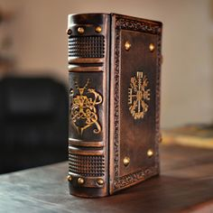 Decorative Lines, Book Spine, How To Age Paper, Vegvisir, Leather Books, Pen Case, Handmade Books, Leather Journal, Book Binding