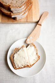 Twoje&Moje: Chleb orkiszowy z chrupiąca skórką. Na zakwasie orkiszowym. Daily Bread, Camembert Cheese, Dairy, Baking, Food, Bakken, Essen, Meals, Backen
