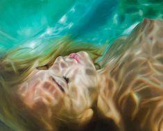 Aqua: Impressive, peaceful, photo-realistic paintings by Reisha Perlmutter #art #hyperrealism #painting #photorealism #reishaperlmutter #underwater #water
