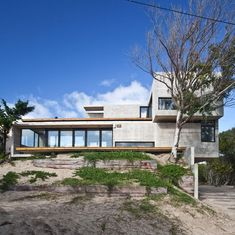 low-maintenance-concrete-beach-house-1-dune.jpg