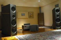 Wow! Huge speakers!