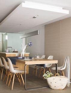 Open space apartment interior design in madrid. Victoria's Kitchen, Minimal Kitchen, Kitchen Benches, Kitchen Island, Appartement Design, Scandinavian Kitchen, Apartment Interior Design, Cuisines Design, Dining Room Design