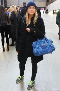 http://www.deardesignerhandbags.com/wholesale-inspired-louis-vuitton-handbags  cheap discount louis vuitton handbags outlet, 2013 new style louis vuitton leather handbags on sale, womens 2013 spring louis vuitton handbags on sale
