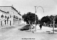 Vista de plaza, calle y presidencia Municipal de San Miguel el Alto Jalisco Mexico  6