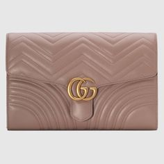 1d64cd1ff Cartera de Mano GG Marmont | Outfits | Leather clutch, Black clutch ...