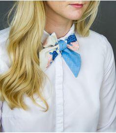 Dámská kravata modrá se želvami