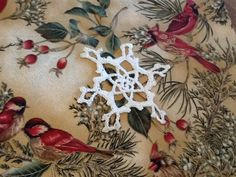 Here are two free patterns for lacy crochet snowflakes that can be used to decorate a Christmas tree or gift. Free Crochet Snowflake Patterns, Snowflake Template, Crochet Snowflakes, Crochet Patterns, Crochet Ideas, Crochet Doilies, Crochet Christmas Ornaments, Christmas Snowflakes, Christmas Time