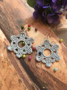 Precious Tips for Outdoor Gardens In general, almost half of the houses in the world… Flower Earrings, Dangle Earrings, Crochet Earrings, Crochet Jewellery, Flower Jewelry, Beach Wedding Jewelry, Beach Jewelry, Earring Crafts, Leaf Flowers
