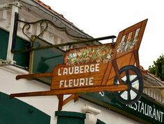 Sign in France - l'Auberge Fleurie.